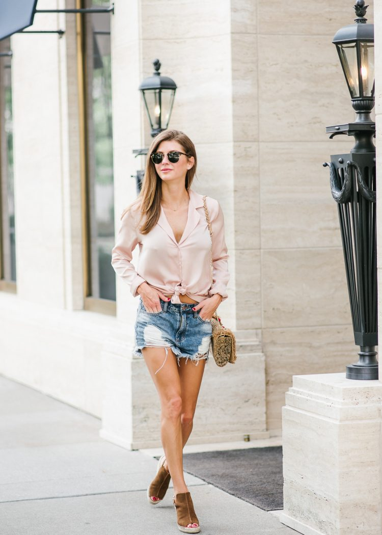 Wearing pajamas all day / street style