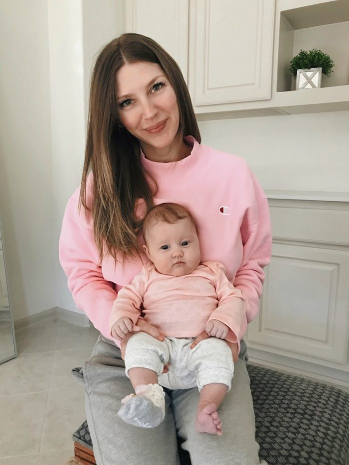 AshLee Frazier wearing matching outfits with her daughter, Navy Lee