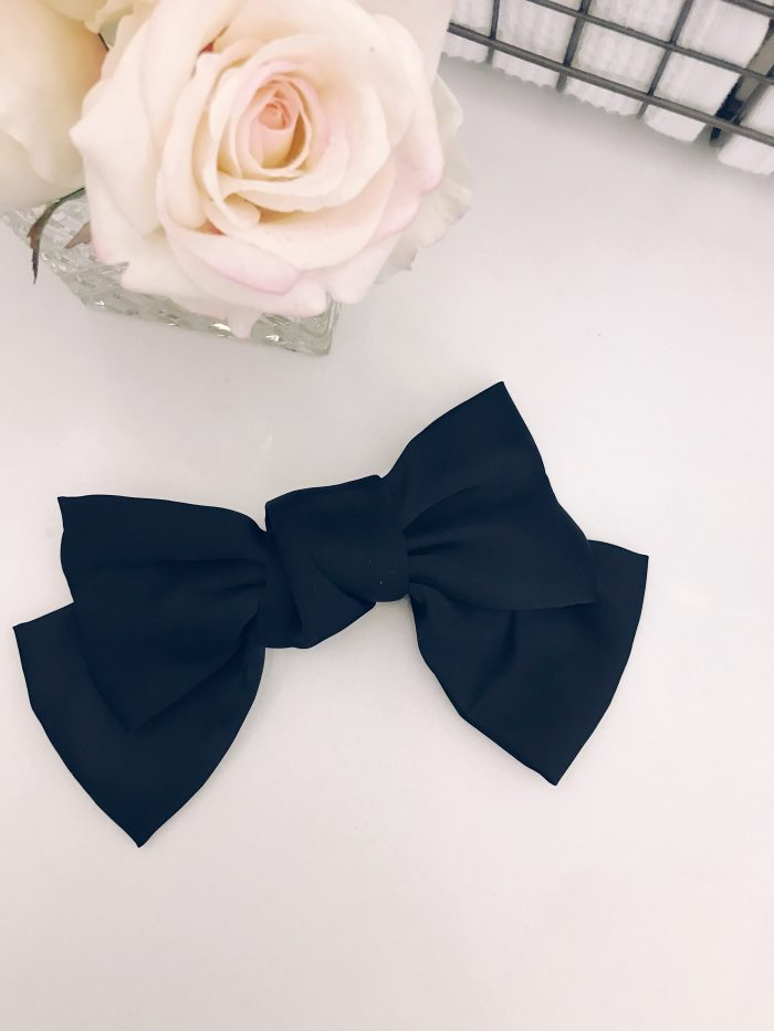 Trending or 2019 are oversized hair bow clips